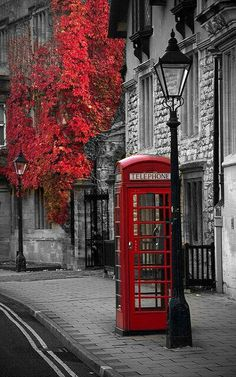 London..a touch of red