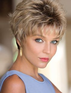 Most Cool Short Hairstyles For Women In 2019 09 Short Brown Hair, Short Hair With Layers, Short Hair Cuts For Women, Thick Hair, Straight Hair, Cool Short Hairstyles, Pixie Hairstyles, Pretty Hairstyles, Stacked Hairstyles