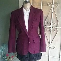 Skirt Pillow soft scalloped rose skirt, lining underneath stretch waist band NWOT never worn. Cherokee Skirts Midi