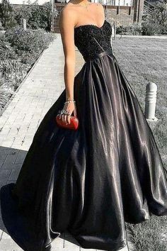 Charming sweetheart neck black quinceanera dresses ball gown UH392