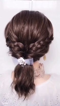 A super easy hairstyle tutorial worth giving a try! A super easy hairstyle tutorial worth giving a try! Super Easy Hairstyles, Easy Hairstyles For Long Hair, Braids For Long Hair, Unique Hairstyles, Hairstyles For Women, Japanese Hairstyles, Wedding Hairstyles, Hair Up Styles, Medium Hair Styles