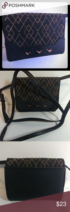 "Stella & Dot Nolita Black Metallic Crossbody New without tags. 4 3/4"" x 6"" x 1 1/2"" Stella & Dot Bags Crossbody Bags"