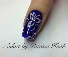 #mails #nail #uñas #una #manicura #cute #linda #uñasacrilicas Diamond Nail Designs, Diamond Nails, Toe Nail Designs, Navy And Silver Nails, Blue Nails, Holiday Nails, Christmas Nails, Gorgeous Nails, Pretty Nails