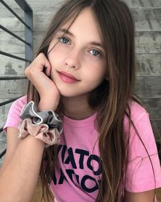Image may contain: one or more people and closeup Cute Little Girl Dresses, Little Girl Models, Cute Young Girl, Beautiful Little Girls, Beautiful Girl Image, Cute Little Girls, Young Girl Fashion, Preteen Girls Fashion, Girl With Brown Hair