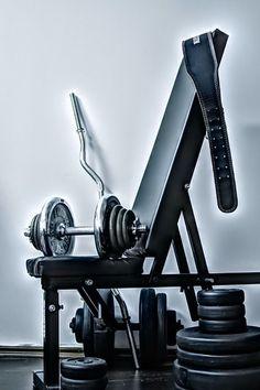 Übungsroutinen zum Abnehmen im Amputierten im Fitnessstudio