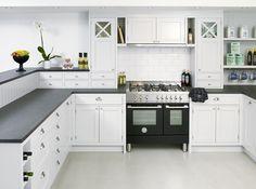 ladrillo blanco en la pared de la cocina clásica moderna