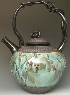 Beautiful light green enameled tea pot with berries and vines - Suzanne Crane Ceramic Teapots, Ceramic Pottery, Cafetiere, Cuppa Tea, Teapots And Cups, Kintsugi, Tea Art, Tea Service, My Cup Of Tea