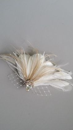 Bridal Feather Fascinator, Wedding Feather Headpiece, Feather Fascinator, Bridal Feather Headpiece, Ivory Feather Hair Clip – CALI – Famous Last Words Feather Headpiece, Bridal Fascinator, Fascinator Hats, Headpiece Wedding, Bridal Headpieces, Headdress, Bridal Hair, Feather Hair Pieces, Feather Hair Clips