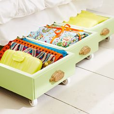 Re-purpose old dresser drawers for under bed storage-- Great idea! Could use drawers, baskets, small totes, etc.