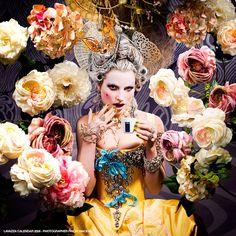 Café com arte:   O top fotógrafo FINLAY MACKAY e suas fotos geniais para o calendário do italiano Café Lavazza.