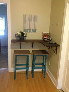 DIY kitchen bar: thicker shelf with wooden brackets, use wood filler between shelves so it would look like one piece. Kitchen Corner, Corner Bar, Small Corner Table, Small Bar Table, Small Kitchen Bar, Corner Vanity, Corner Office, Corner Shelves, Sweet Home