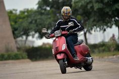 Here are our first impressions from behind the handlebars of India's only 150cc scooters today; the Vespa VXL and SXL.