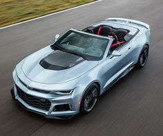 If you liked what you saw when the 2017 Camaro ZL1 debuted, but wanted something with more wind in your hair you are in luck. Chevrolet has debuted the 2017 ZL1 convertible, and it promises similar performance as the coupe version.