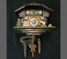 1dc61933166 2281 melhores imagens de Relógios Antigos em 2019
