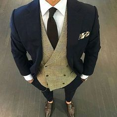 Great waist coat combination with this Navy Suit. The best is beautiful the slacks GOT TO GO! Gentleman Mode, Gentleman Style, Sharp Dressed Man, Well Dressed Men, Mens Fashion Suits, Mens Suits, Herren Outfit, Fashion Moda, Men's Fashion