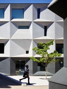 ALLFORD HALL MONAGHAN MORRIS BURNTWOOD SCHOOL. LONDON, UNITED KINGDOM