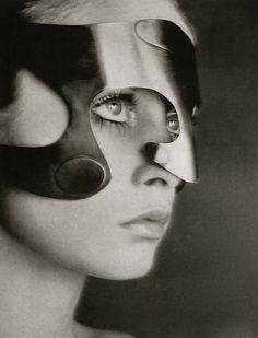 1968. Vogue. Model Twiggy wearing mask by Emanuel Engaro. Photo by Richard Avedon (B1923 - D2004)