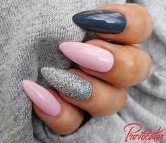 If you are looking for the most popular Easter nail design of then you are in the right place. We have collected dozens of cute Easter nail designs, and you will love it . Aycrlic Nails, Glitter Nails, Cute Nails, Pretty Nails, Hair And Nails, Fall Nails, Easter Nail Designs, Nail Art Designs, Nails Design