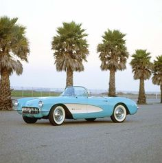 The 1957 Corvette offered accessories such as whitewall tires, contrasting colors, and power soft top.