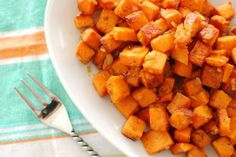 """I always hear people raving about the Sweet Potato Hash at True Food Kitchen. So last time I ate there, I ordered this famous hash for """"research purposes"""" and went home to start recreating it in my ow"""