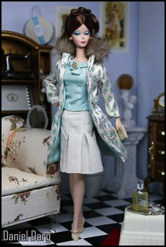 https://flic.kr/p/hiqR1R | Continental Holiday Barbie doll