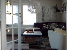 Puolitoista kerrosta kotia Oversized Mirror, Living Room, Furniture, Home Decor, Decoration Home, Room Decor, Home Living Room, Home Furnishings, Drawing Room