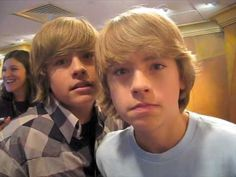 Dylan and Cole Want Your Votes! Dylan Sprouse, Cole Sprouse Cody, Sprouse Bros, Cole Sprouse Jughead, Zack And Cody Cast, Zack Y Cody, Suit Life On Deck, Cole Spouse, Dylan And Cole