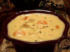Cheesy Chicken & Cauliflower Chowder