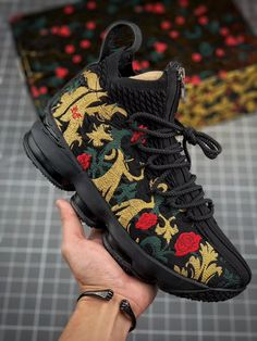 Basketball Shorts Girls, Nike Basketball Shoes, Sports Shoes, Nike Shoes, Custom Sneakers, Leather Sneakers, Shoes Sneakers, Lebron James, Timberland Euro Sprint