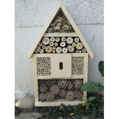 Lovely little Bug house, inspired me to make my own, mine looks much more rustic but beautiful all the same! :)