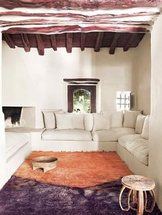 Bohemian rustic house in Ibiza with a lot of charm for the unexpected. House Design, House, Rustic Space, Home, Global Home, Rustic Bohemian, Stunning Interiors, Interior Design, Rustic House