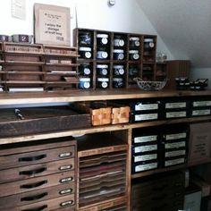 chocolate-cafeさんの、私の小部屋♡,階段下収納,レターケース,引き出し,箱収納,瓶収納,greencafeちゃん編みかご♡,机,のお部屋写真