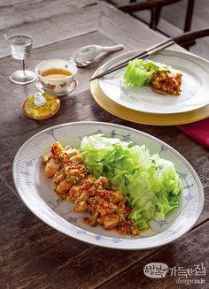 집에서 즐기는 중식 만찬 | 쿠킹&다이닝 | 매거진 | 행복이가득한집 Aesthetic Food, Home Recipes, Chinese Food, Food Art, Sweet Home, Diet, Snacks, Cooking, Ethnic Recipes