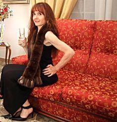 Nadia - Lunga sciarpa in visone lavorato orizzontale con frangia in doppio