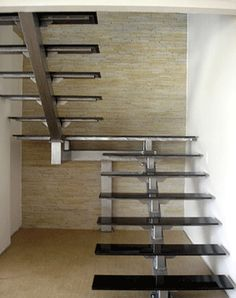 Steel Railing Design, Iron Stair Railing, Staircase Railings, Home Stairs Design, Interior Stairs, House Design, Glass Stairs, Floating Stairs, Stairs Stringer
