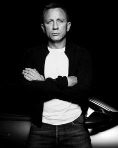 Daniel Craig - GQ Magazine - November 2015 (Australia) by Rankin Daniel Craig Style, Daniel Craig James Bond, Rachel Weisz, Male Fashion Trends, Mens Fashion, Craig Bond, Gq Australia, Daniel Graig, James Bond Style