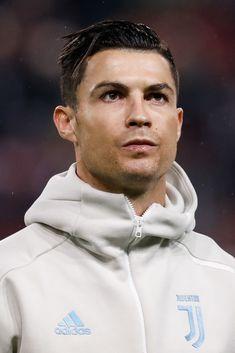 Critiano Ronaldo, Cristiano Ronaldo Juventus, Neymar Jr, Cristiano Ronaldo Celebration, Soccer Backgrounds, Sports Celebrities, Football Boys, Super Skinny Jeans, My Idol