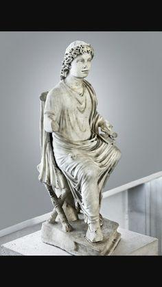 Cristo Docente, III secolo d.C.Marmo a tutto tondo.Oggi conservato presso Museo della civiltà romana.