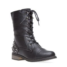 Cool shoes for fall in black :)
