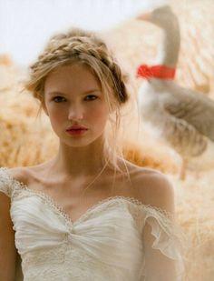 i want messy wedding hair