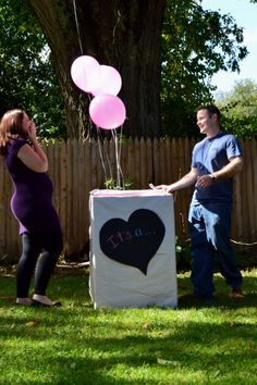 Gender reveal photo - I like the idea of Johnny knowing and then I find out at the gender reveal photo shoot or party!!