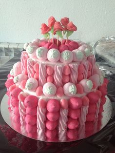 Candy Cake – Passo a Passo Candy Cakes, Cupcake Cakes, Bonbons Pastel, Marshmallow Cake, Bar A Bonbon, Sweet Trees, Candy Bouquet, Candy Party, Savoury Cake
