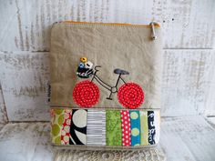 mona w. Free Motion Embroidery, Embroidery Bags, Free Machine Embroidery, Free Motion Quilting, Patchwork Bags, Quilted Bag, Small Knitting Projects, Sewing Projects, Drawstring Bag Diy