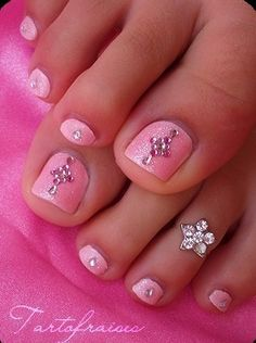 Nail Art,Make up & Perfume / rhinestone toes  #pink #color #colours
