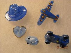 VINTAGE LOT OF GLASS MOON GLOW REALISTIC BUTTONS - Collector Note: Probably 15-20 years old, possibly new old stock vintage moonglows. About 20 years ago that with renewed interest, borders opening, Czech region buttons became available to collectors in the US.