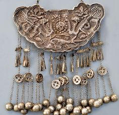 large Miao necklace late 19th c (private collection Linda Pastorino)