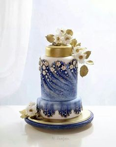 We're loving this roundup of hand-painted wedding cakes. Description from pinterest.com. I searched for this on bing.com/images