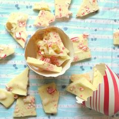 Easy Peppermint Bark recipe perfect for hostess gifts.