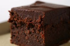Chocolate Mascarpone Brownies are so delicious, rich, and decadent. A must for chocolate lovers! - Bake or Break Just Desserts, Delicious Desserts, Dessert Recipes, Eat Dessert First, Dessert Bars, Chocolate Desserts, Chocolate Lovers, Chocolate Art, Chocolate Brownies
