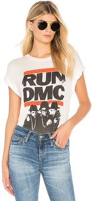 Daydreamer Run Dmc Band Tee In Vintage White Run Dmc, Fashion News, Fashion Trends, Fashion Group, Trending Fashion, Pop Fashion, Skirt Fashion, Style Fashion, Fashion Design
